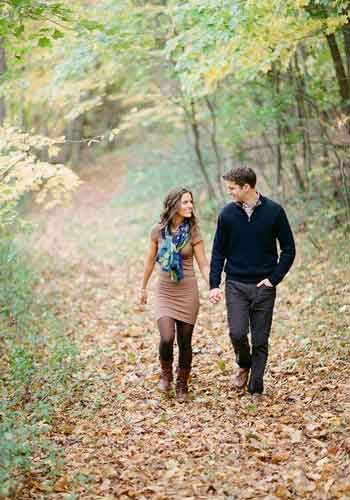 قدم های عاشقانه در هوای پاییزی