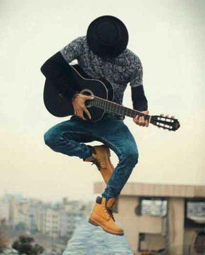 عکس پسرانه + گیتار