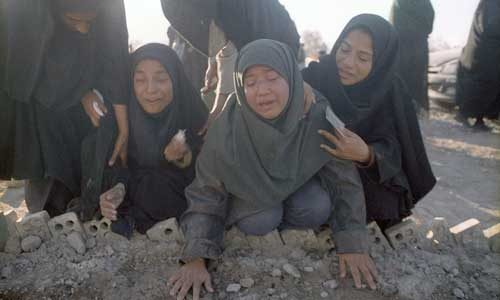 تصاویر دردناک و غم انگیز از زمین لرزه بم