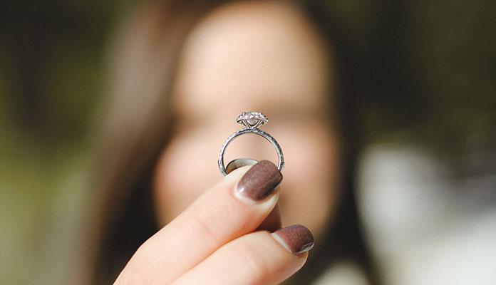 اس ام اس عاشقانه برای دوران نامزدی,اشعار عاشقانه نامزدی,متن ادبی رمانتیک دوران نامزدی